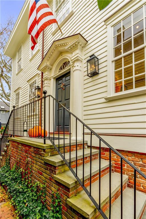 43 Elm Street, Newport