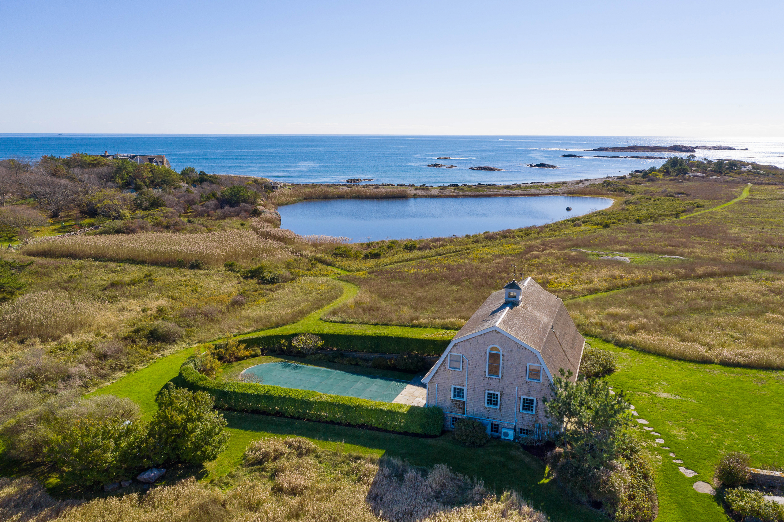SAKONNET POINT OCEANFRONT SELLS FOR A HISTORIC $4.5M, MARKING THE TOP TEN SALES EVER IN LITTLE COMPTON*