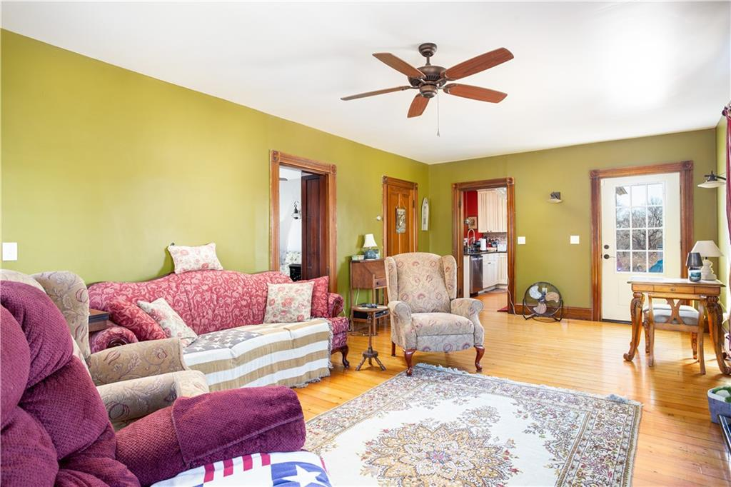 143 Narragansett Avenue E, South Kingstown