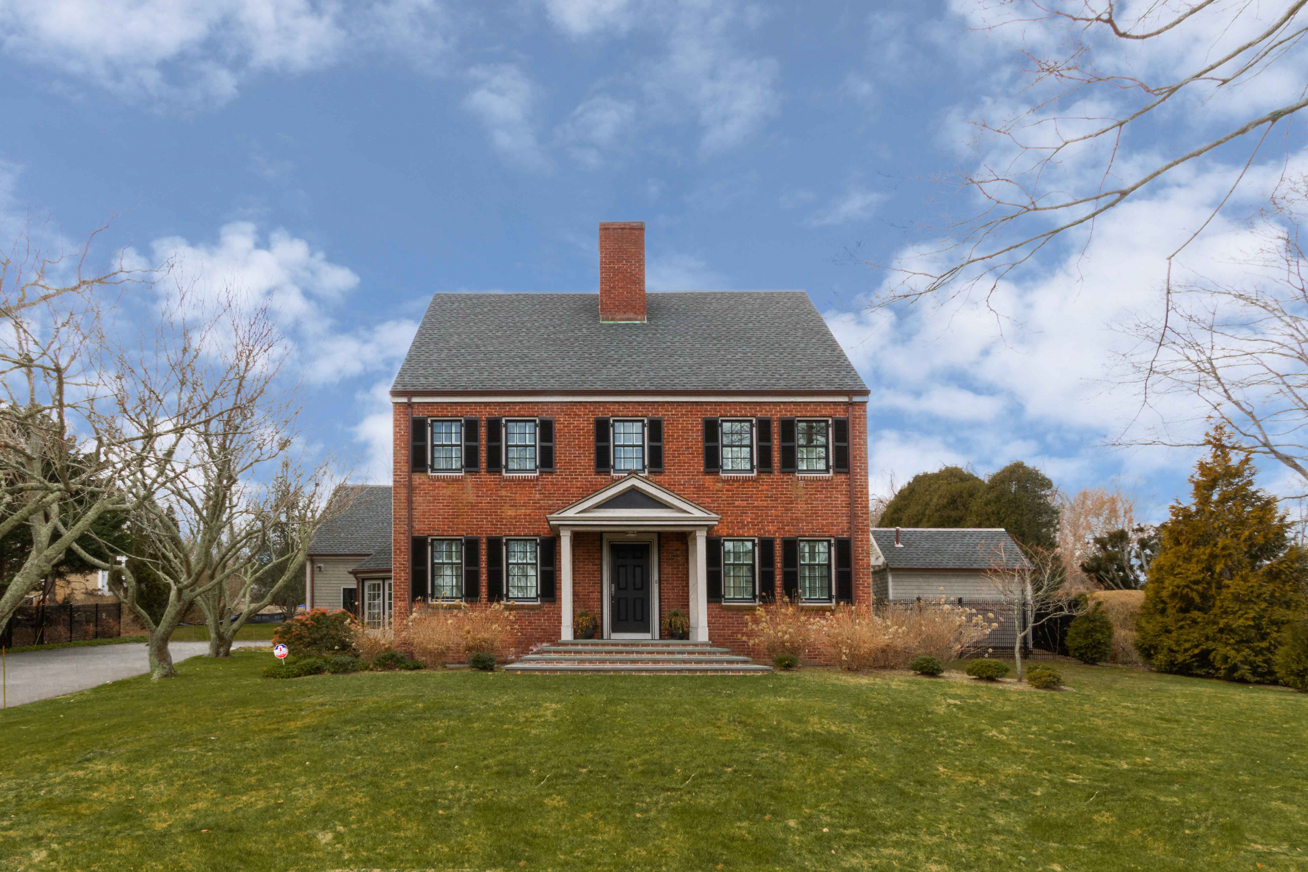 ALEX THURSBY OF LILA DELMAN COMPASS REPRESENTS BUYER  OF A SIGNFICANT HOME IN NEWPORT'S KAY/CATHERINE NEIGHBOORHOOD
