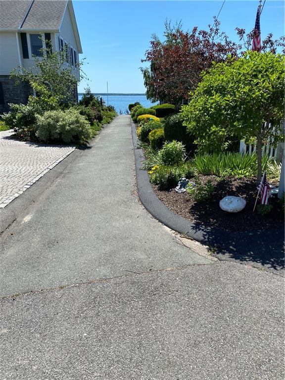 362 Shore Acres Avenue, North Kingstown