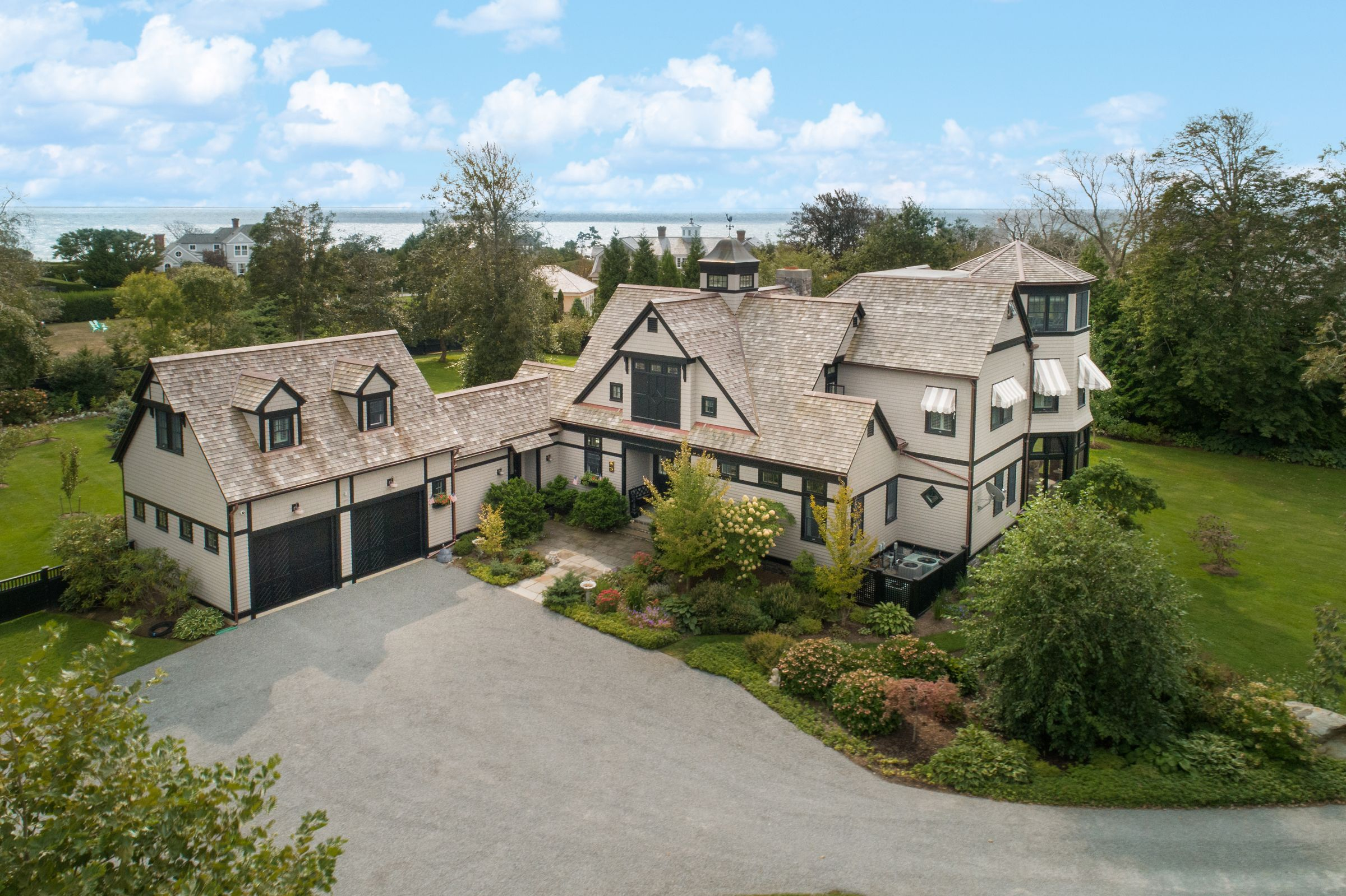 BELLEVUE AVENUE HOME SELLS FOR $4,700,000,  MARKING SECOND HIGHEST SALE IN NEWPORT YEAR-TO-DATE*