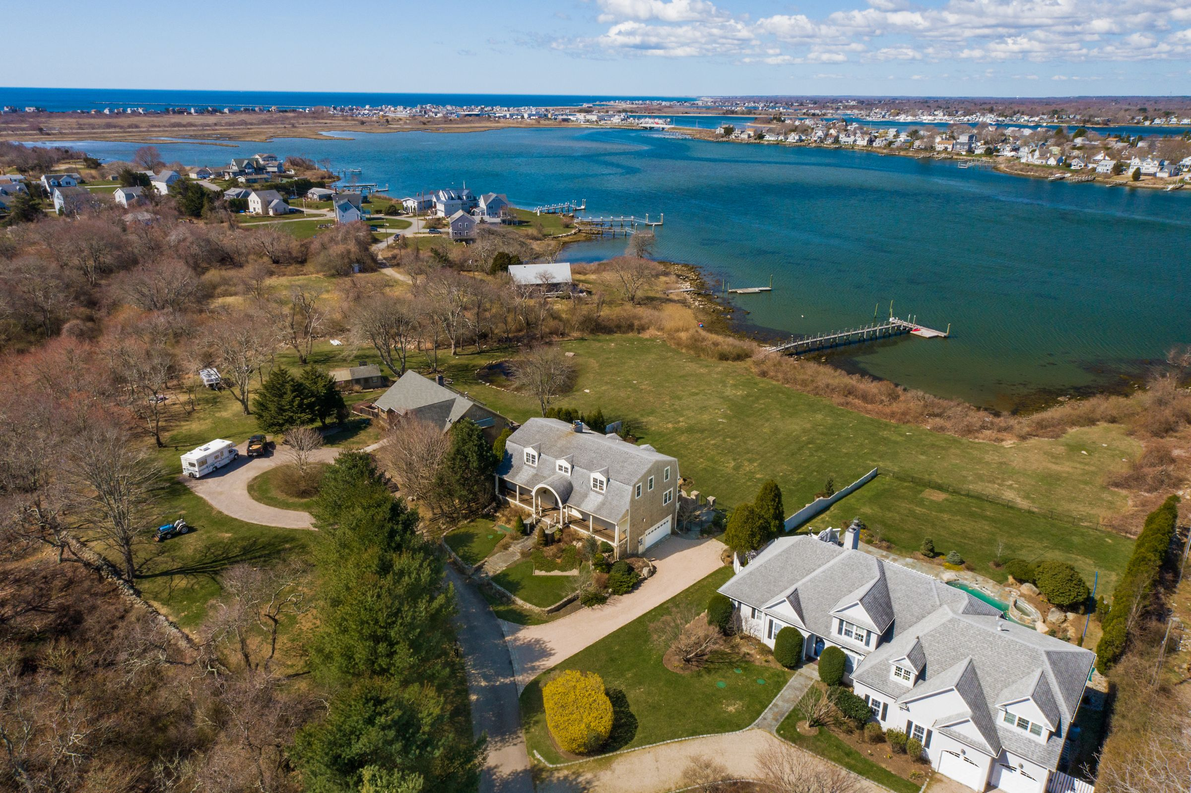 O'Donnell-Forte and Pezza sell 15 Bluff Hill Cove Rd. – $2.805m
