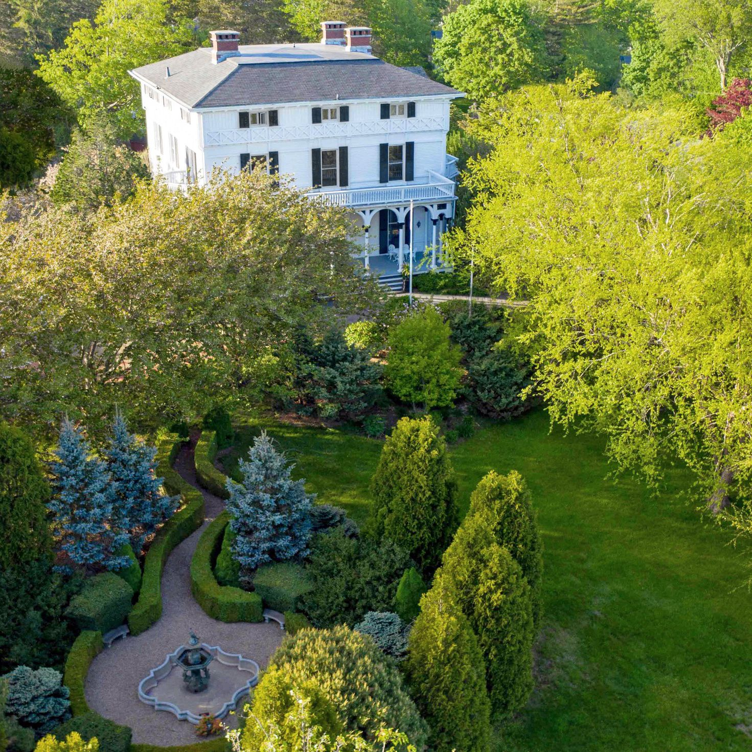 'VILLALON' ESTATE SELLS FOR $2.465MM,  MARKING THIRD HIGHEST SALE IN MIDDLETOWN THIS YEAR*