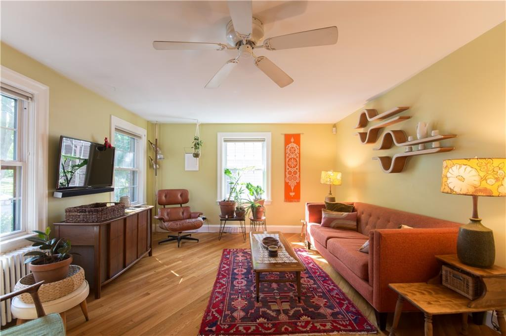 642 Pleasant Valley Parkway, Providence