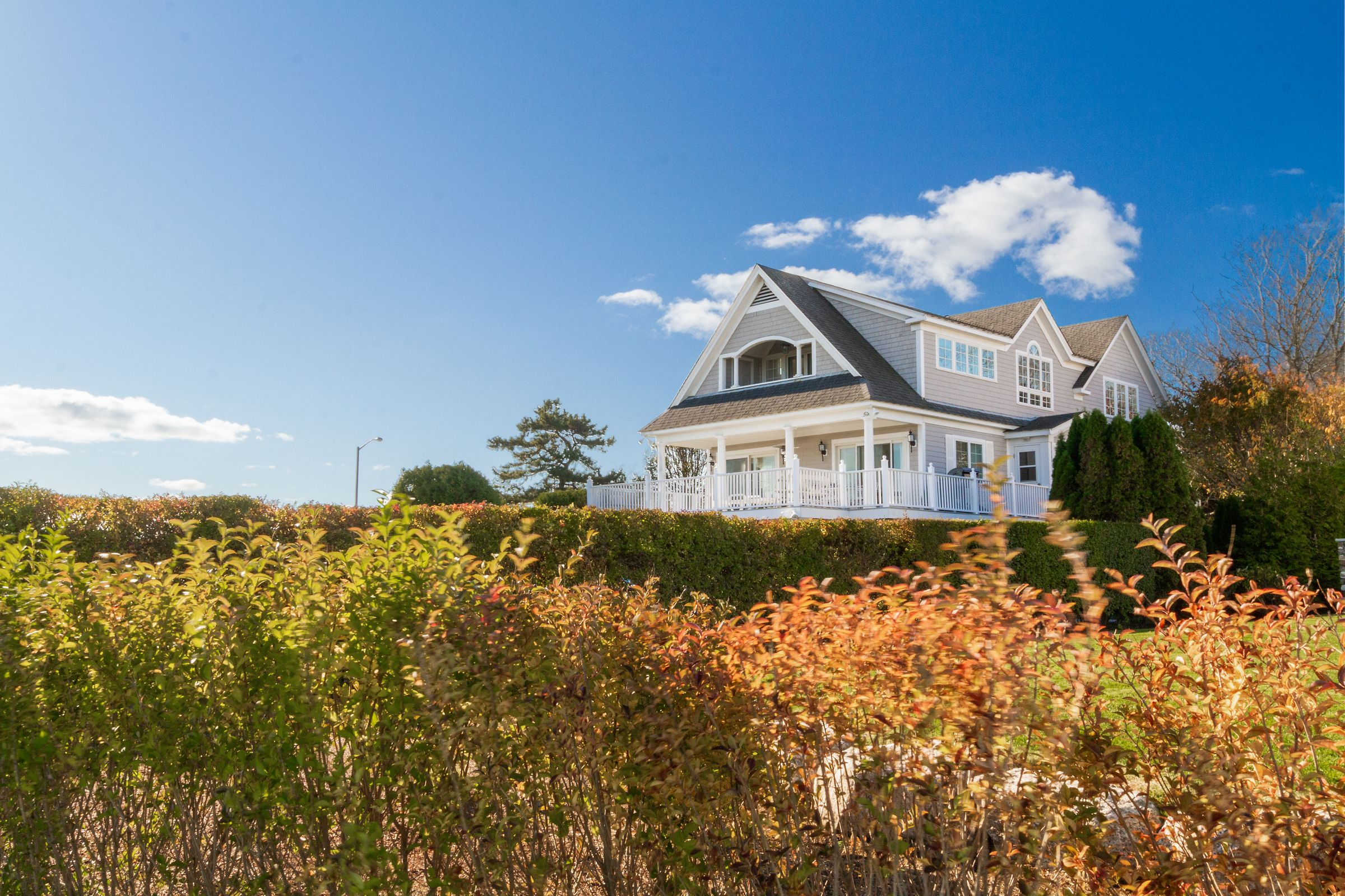 OCEAN VIEW HOME OVERLOOKING EASTON'S BEACH SELLS FOR $3,337,500 WITH LILA DELMAN COMPASS REPRESENTING THE SELLER & FACILITATING FOR THE BUYER*